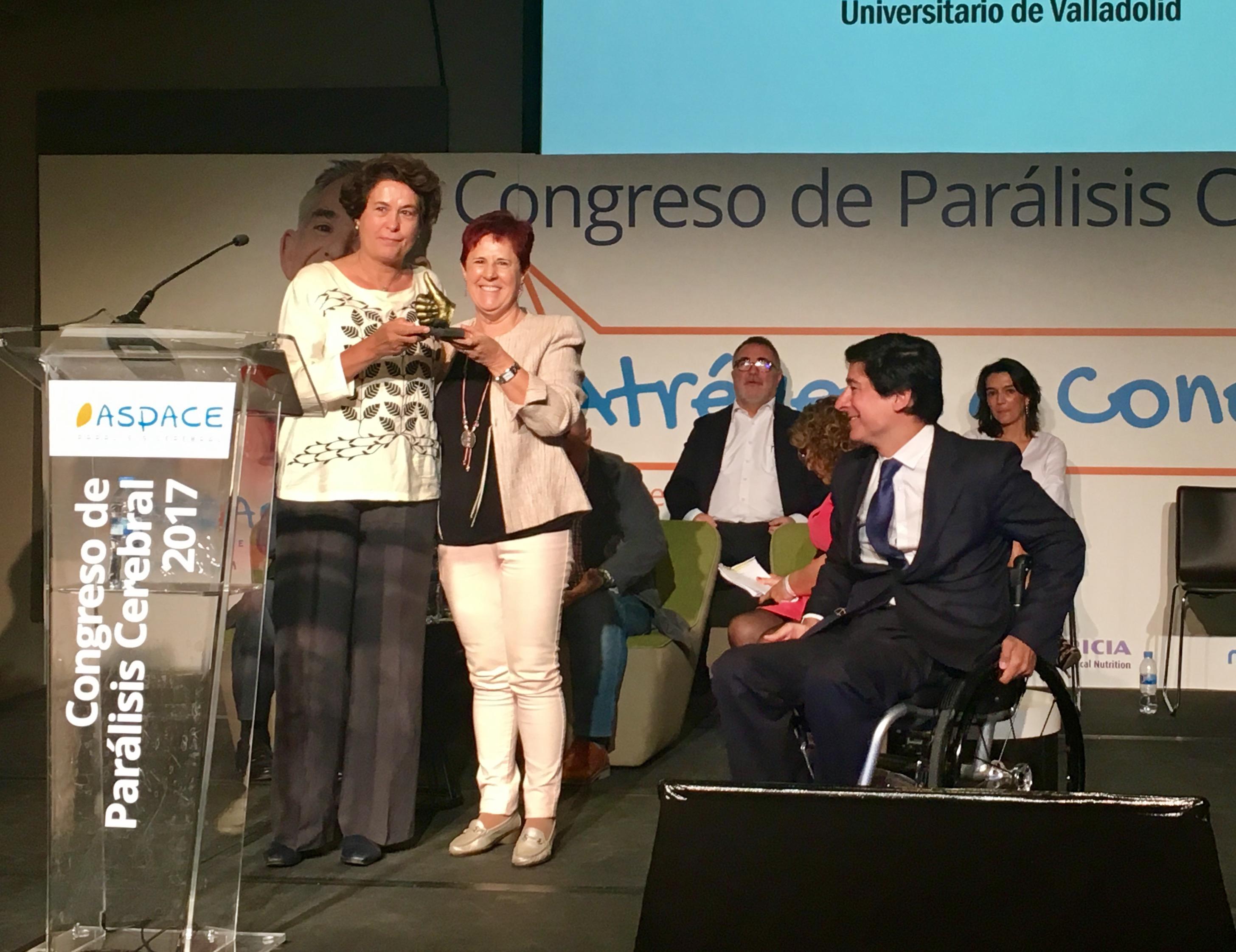 El Hospital Clínico recoge el premio ASPACE Ipsen Pharma