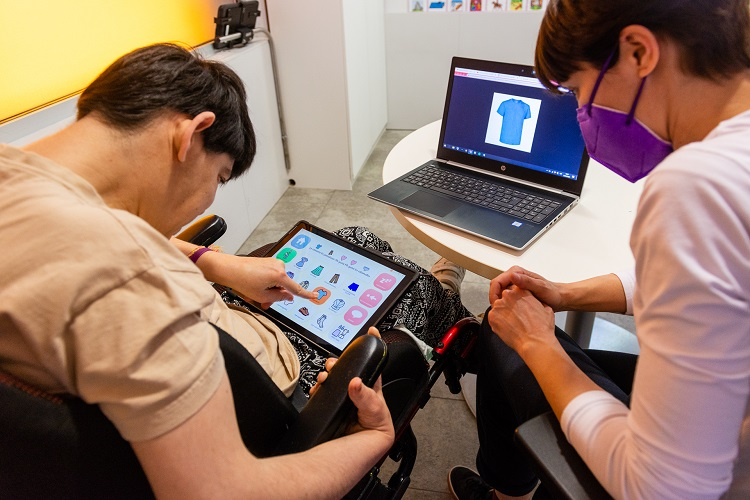 Las personas con parálisis cerebral sin comunicación oral podrán ejercer sus derechos
